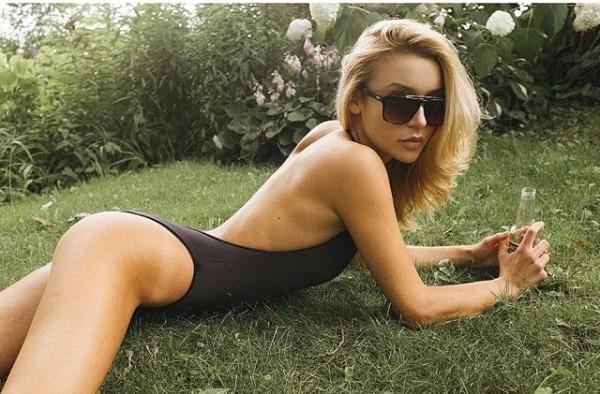 Badeanzüge und Bikinis