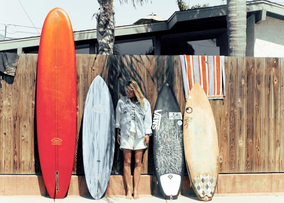 Velwet - Chronicles Of German Surf Girl Gypsies