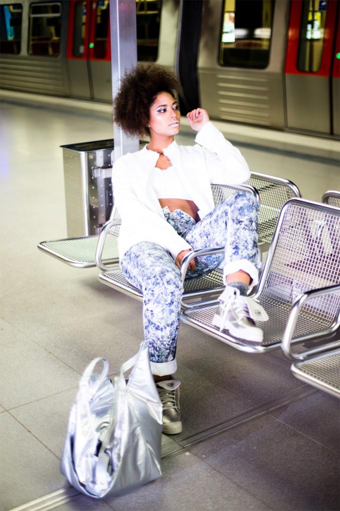 Astronaut-Superlative-Magazine-Paulina-Akbay-photography-intergalactic-art-fashion-photo-shoot-story-9